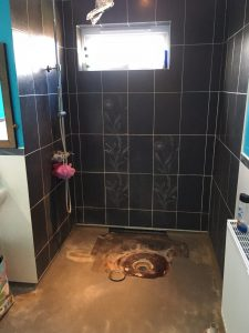 Singleton Ashford Bathroom Tiling (Before)